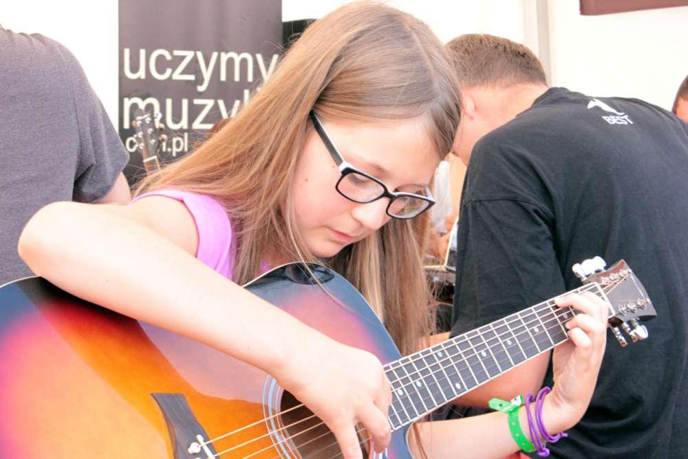 nauka gry na gitarze woodstock