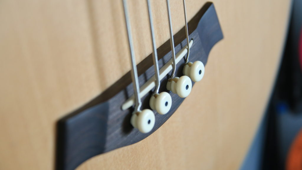 mostek bas akustyczny gitara akustyczna basowa ab4 lr baggs