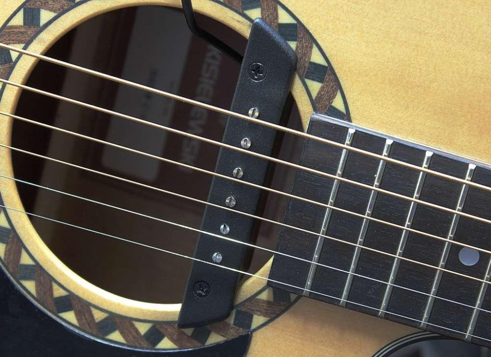 gitara akustyczna z przerwornikiem