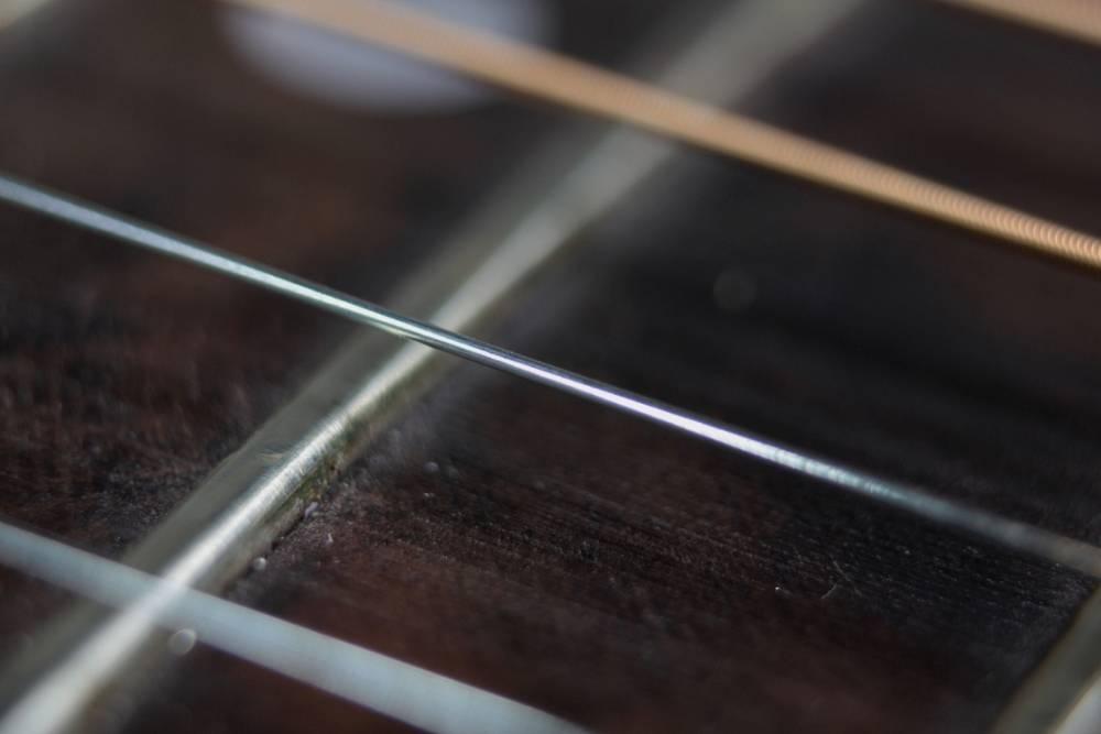 różnica między gitarą akustyczną i klasyczną