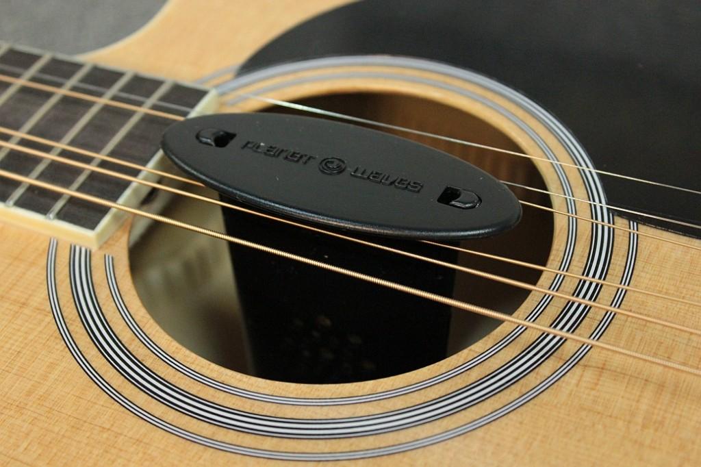 bardzo dobry futerał do gitary